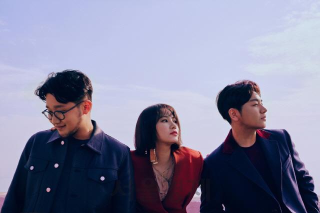 어반자카파, 4년 만에 정규 5집 앨범 [05]로 컴백