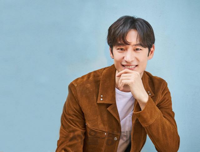 [시그널] 스타트업 엔젤로 나선 배우 이제훈…신선식품 배송업체 마켓컬리 등에 투자