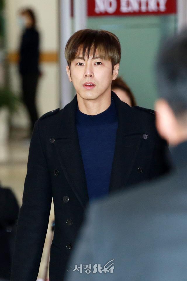 동방신기 유노윤호, '풋풋한 잘생김' (공항패션)