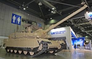 [권홍우 선임기자의 무기이야기] 전차강국 폴란드, K2에 관심..獨·佛 견제, 군수지원이 수출 관건