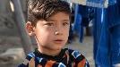 '비닐봉지 메시'로 유명해진 아프간 7살 꼬마, 탈레반 위협에 떠돌아
