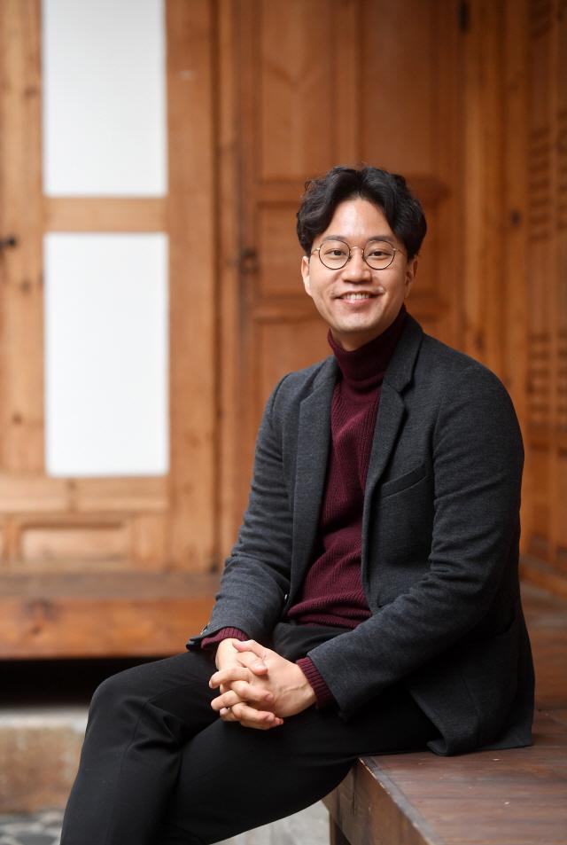 [이사람-김성용 '남의집' 대표] '취향맞는 사람끼리 이야기 보따리...남의 거실로 여행 떠나요'