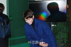 박보검, '공항에 뜬 친절무지개' (공항패션)