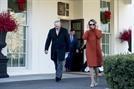 트럼프와 맞짱 후 인기 치솟는 '78세 할머니' 펠로시