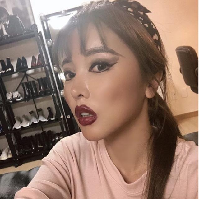 홍진영 '섹시 애나벨'로 변신? 과한 메이크업도 이리 예쁠수가