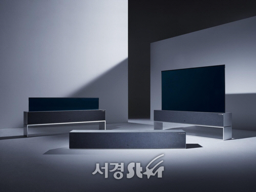 [CES2019] LG, 세계 최초 '말리고 펴지는' 롤러블 올레드TV 공개