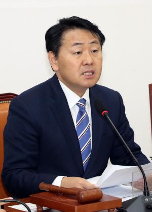 """김관영 """"최악의 고용 기록…실패정책 포기를"""""""