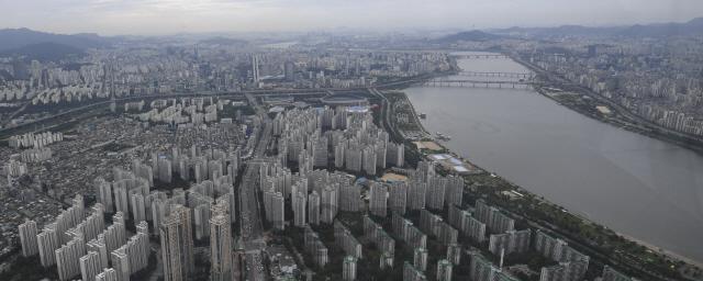 서울 아파트값 9주연속 떨어져…일부 급매물만 거래