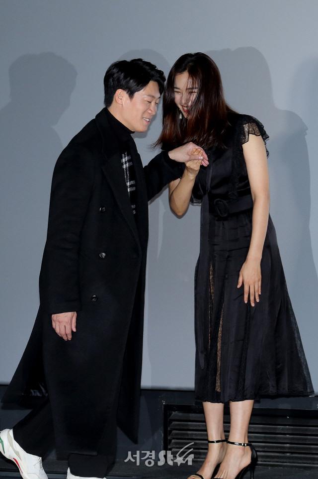 [종합] '극한직업' 류승룡 ·이하늬· 진선규 ...이병헌 감독과 '마약치킨 웃음'으로 승부