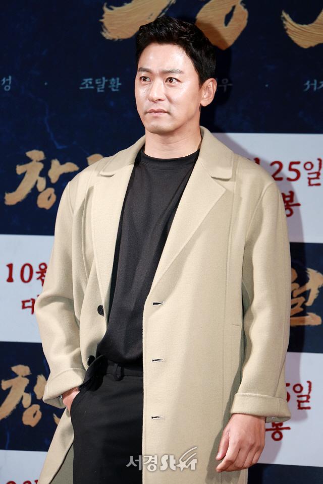 """[공식입장] 주진모, 10살 연하 여의사와 열애 인정 """"현재 알아가는 단계"""""""