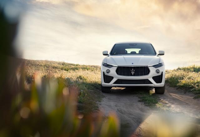 [올 수입차 무한경쟁 예고]마세라티 '르반떼GTS' 제로백 4.2초…V8 슈퍼카 심장 품은 '힘센 SUV'