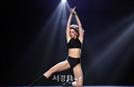 샬롯 구찌, 황홀한 댄스 (플래시댄스)