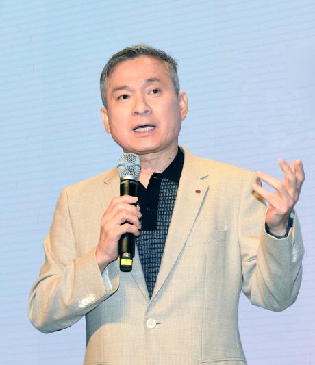 """하현회 LGU+부회장 """"5G 반드시 일등할 것"""""""