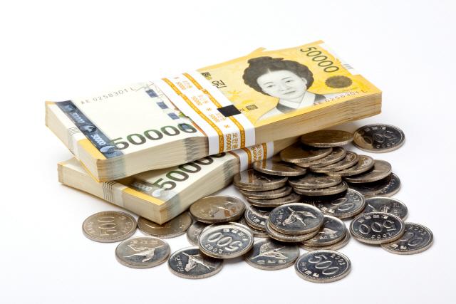 강남 부자 월평균 1,366만원 쓴다… 선호 차량은 벤츠