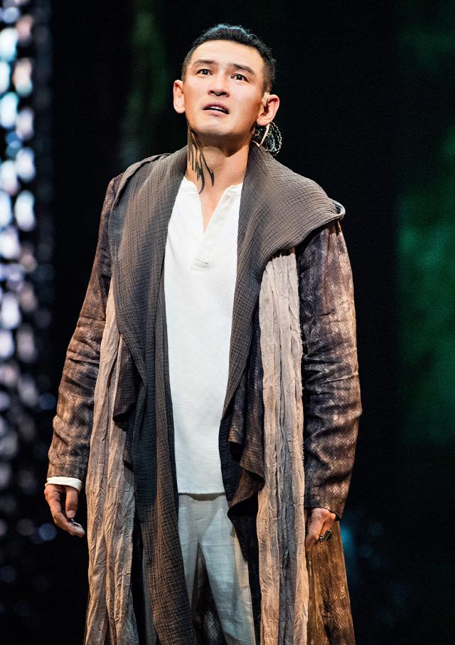 황정민의 연극 '오이디푸스' 개막..90분간 휘몰아치는 눈물과 절규의 클라이막스