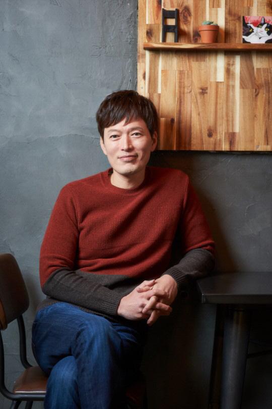 """[인터뷰] '기묘한 가족' 정재영 """"좀비와 코미디가 만나니..유쾌하고 신선해"""""""