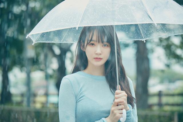 [공식] 강민경, 27일 첫 솔로 데뷔 확정… 데뷔 11년 만에 첫 솔로