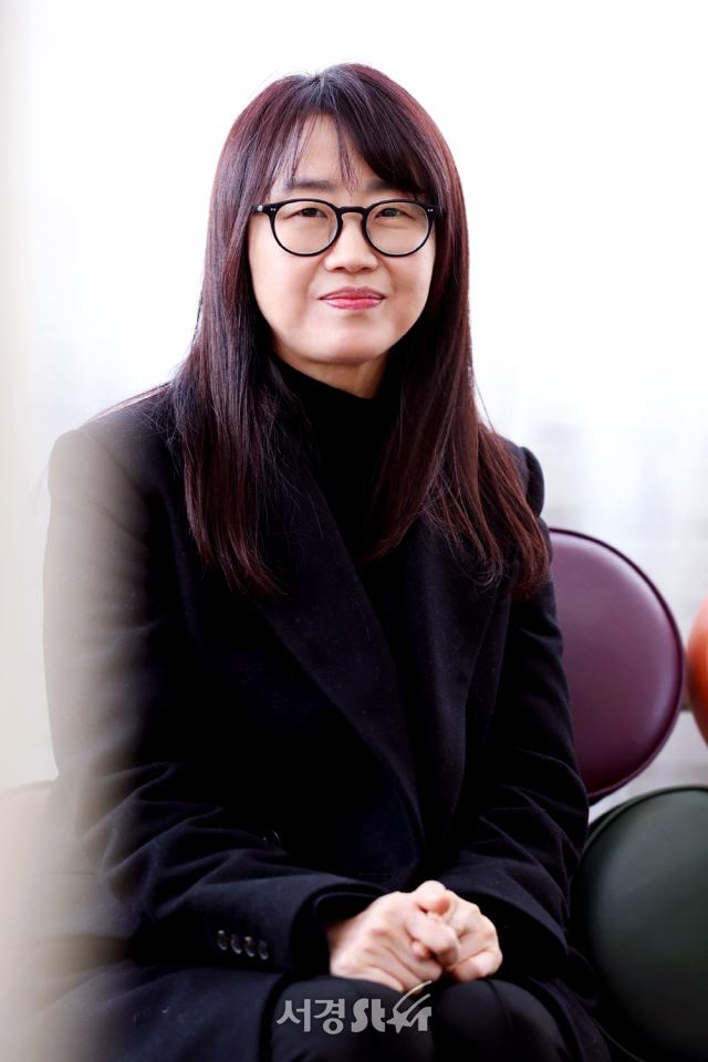 [SE★인터뷰] '킹덤' 김은희 작가가 묻는다... '우리는 좋은 사회로 나아가고 있는가'
