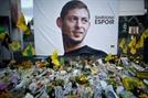 경비행기 잔해서 수습한 시신, 아르헨 축구선수 살라로 확인