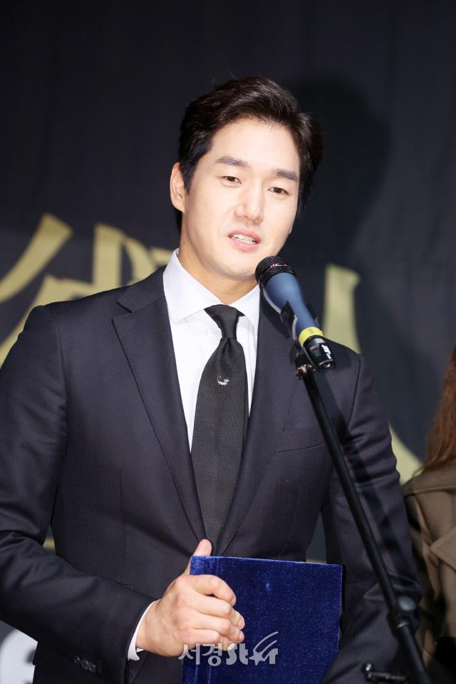 """[현장] '돈' 유지태가 예견했다..""""류준열, 거목 배우 될 것'"""