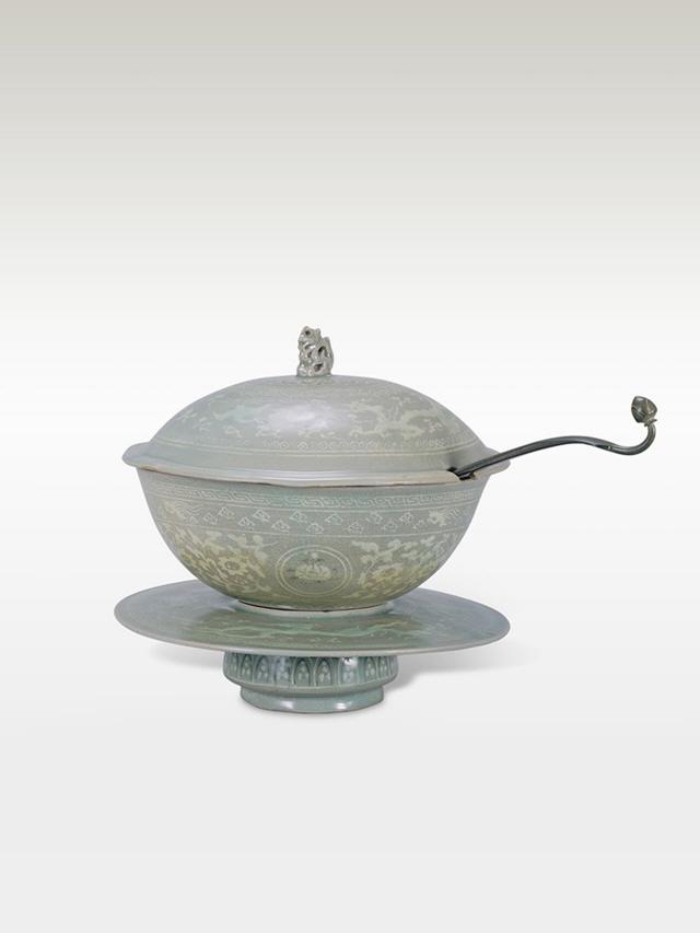 [문화재의 향기]청자상감 용봉모란문 그릇
