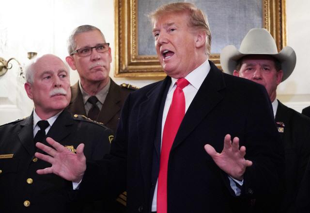 美 의회, 셧다운 방지 협상 잠정타결…트럼프는 판단 보류