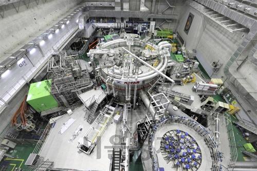 '인공태양에 한걸음 더'…KSTAR, 세계 첫 이온온도 1억℃ 달성