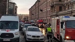 러 상트페테르부르크 대학 건물 일부 붕괴…20여명 매몰