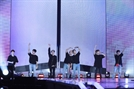 방탄소년단, 일본 첫 돔 투어 화려한 피날레…38만 관객과 호흡