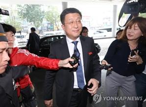 비건-김혁철, 하노이서 첫 대좌…북미회담 의제 협상 본격화