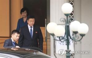 비건-김혁철, 하노이서 이틀째 협상…北美 '하노이선언' 협상 박차