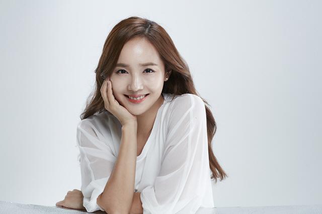 [공식] 배우 유진, 독립 장편 '종이꽃'으로 스크린 컴백..안성기와 호흡