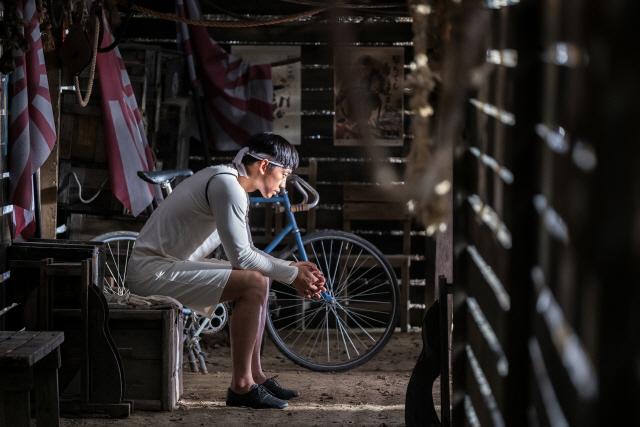'자전차왕 엄복동' 14일 오늘, 극장동시 VOD 서비스 오픈