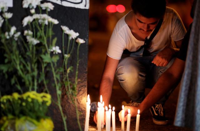 [사진] 브라질 '총기 난사' 희생자 추모