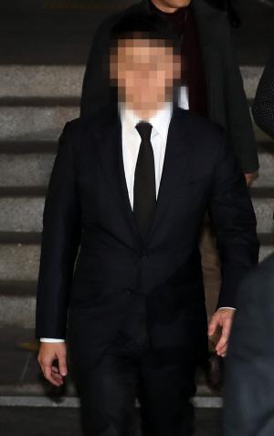 '승리·정준영 카톡방 등장 '경찰총장'은 무궁화 4개 단 총경급 인사'