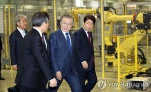 """'대구와 한국의 기회' 로봇 산업 """"미래 먹거리 산업으로 키우겠다"""", 경제인들과 오찬"""