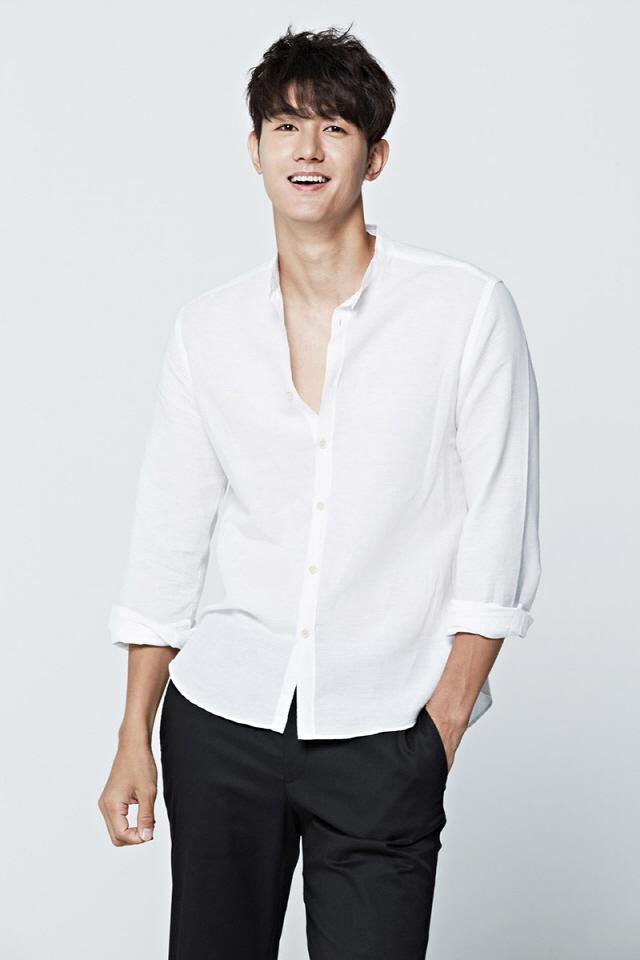 [공식] 이기우, SBS 월화극 '닥터 탐정' 출연 확정 ··· '그것이 알고 싶다' 박준우 PD의 첫 드라마