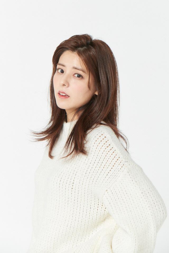 [공식] 후지이 미나, 글로벌 엔터테인먼트 오엔기획과 전속계약 '활발한 소통 예고'