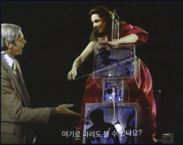 [인간 백남준을 만나다] 시공 초월한 예술혼…35년전 위성예술로 세계를 잇다