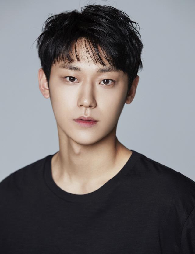 [공식] 이도현 tvN '호텔 델루나' 캐스팅..이지은과 호흡