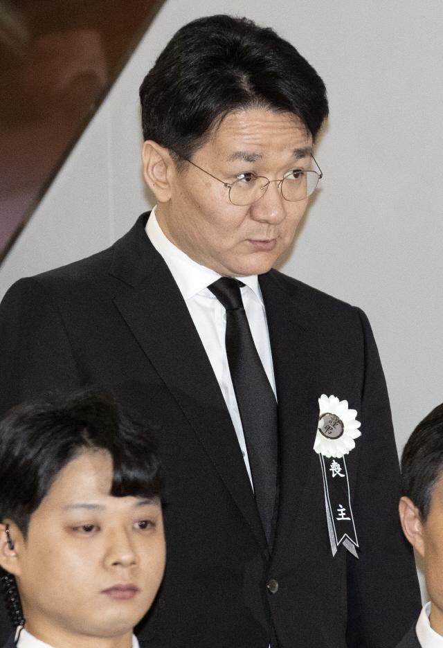 '한진 삼남매' 조양호 회장 입관식 마쳐…이재용·김승연 등 이틀째 조문행렬