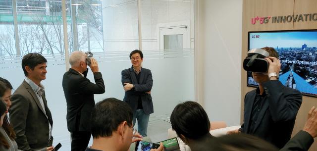 '세계 첫 상용국 韓서 배울래요'…'5G 유학' 오는 글로벌 통신사