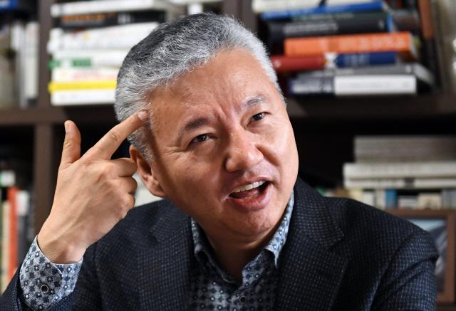 """[청론직설] """"인구 줄어드는 수축사회… 땜질대책 남발땐 일본 전철 밟는다"""""""