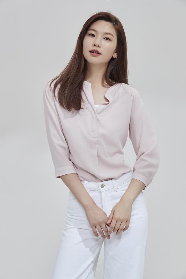 [공식] 모델 겸 방송인 김진경, 드라마 '퍼퓸' 캐스팅 확정