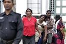 [스리랑카 '부활절 비극' 200여명 사망] 성당·호텔 8곳 '쾅'…기독교도 겨냥한 테러 의심
