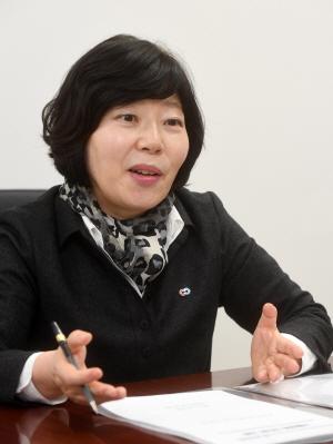 [서경이 만난 사람] 이희숙 한국소비자원장 '친환경 소비문화 활성화 시급...일회용품 줄이기 캠페인 펼칠 것'