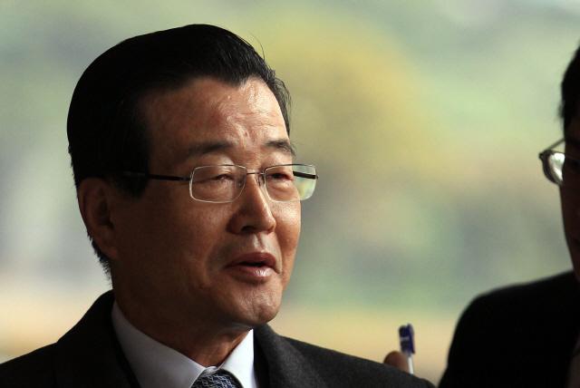 '남산 3억원 의혹' 라응찬 前신한금융 회장 소환