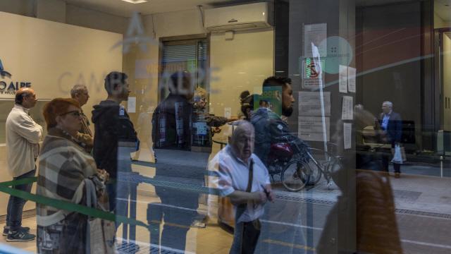 아르헨 페소화 5% 급락…위기감 고조