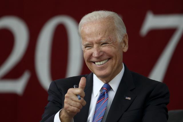 """조 바이든, 대선출마 선언 """"美 위험에 처해"""""""