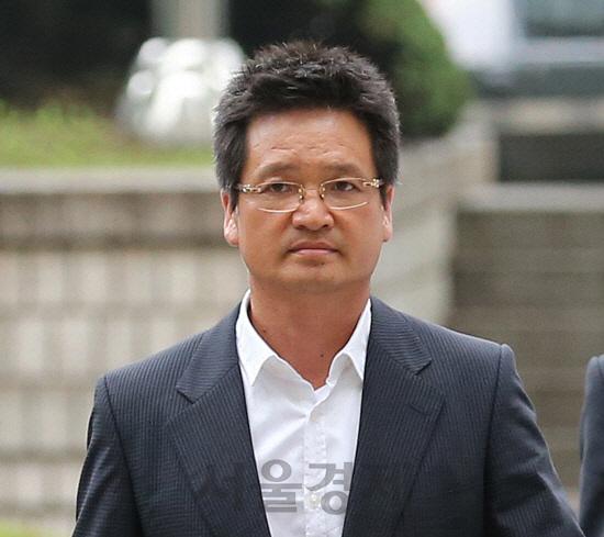 윤중천 '별장 동영상 주인공, 김학의 맞다'